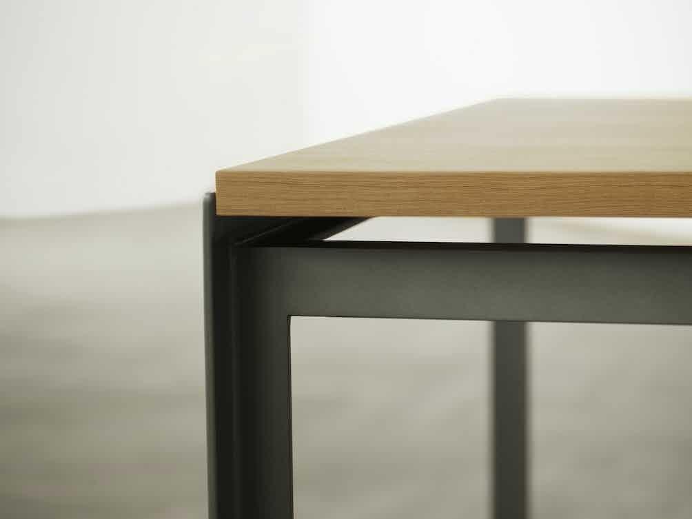 Carl-hansen-son-corner-detail-pk52-institu-haute-living