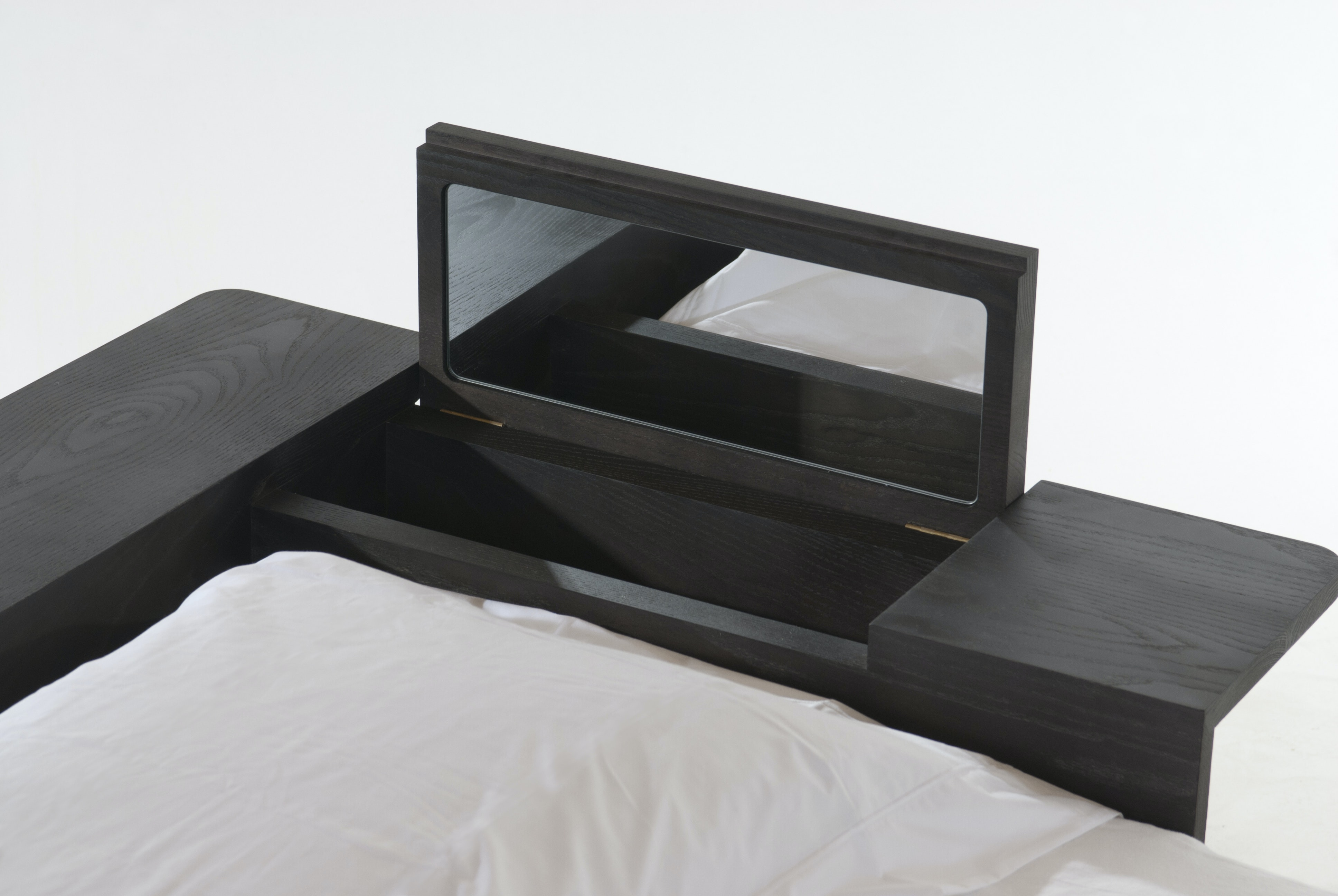 Platform Bed Mirror Detail 2