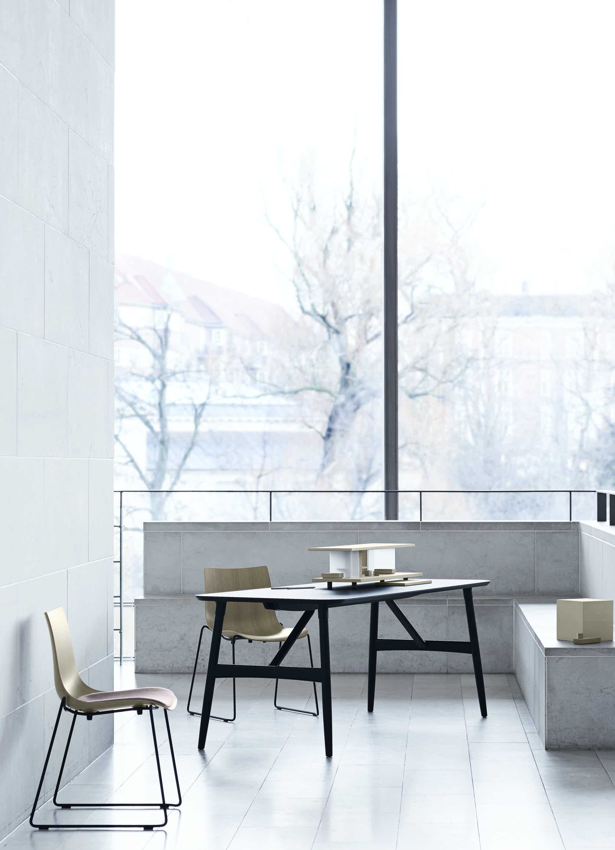 Carl-hansen-son-beech-table-preludia-institu-haute-living
