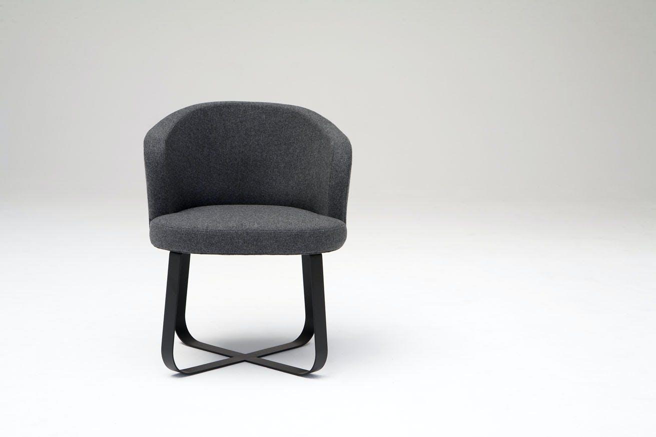 Phase Design Reza Feiz Primi Personal Chair 1