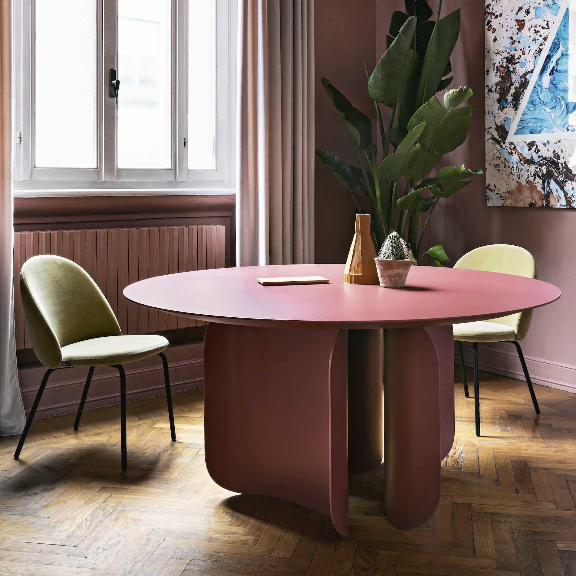 Miniforms barry table pink insitu haute living