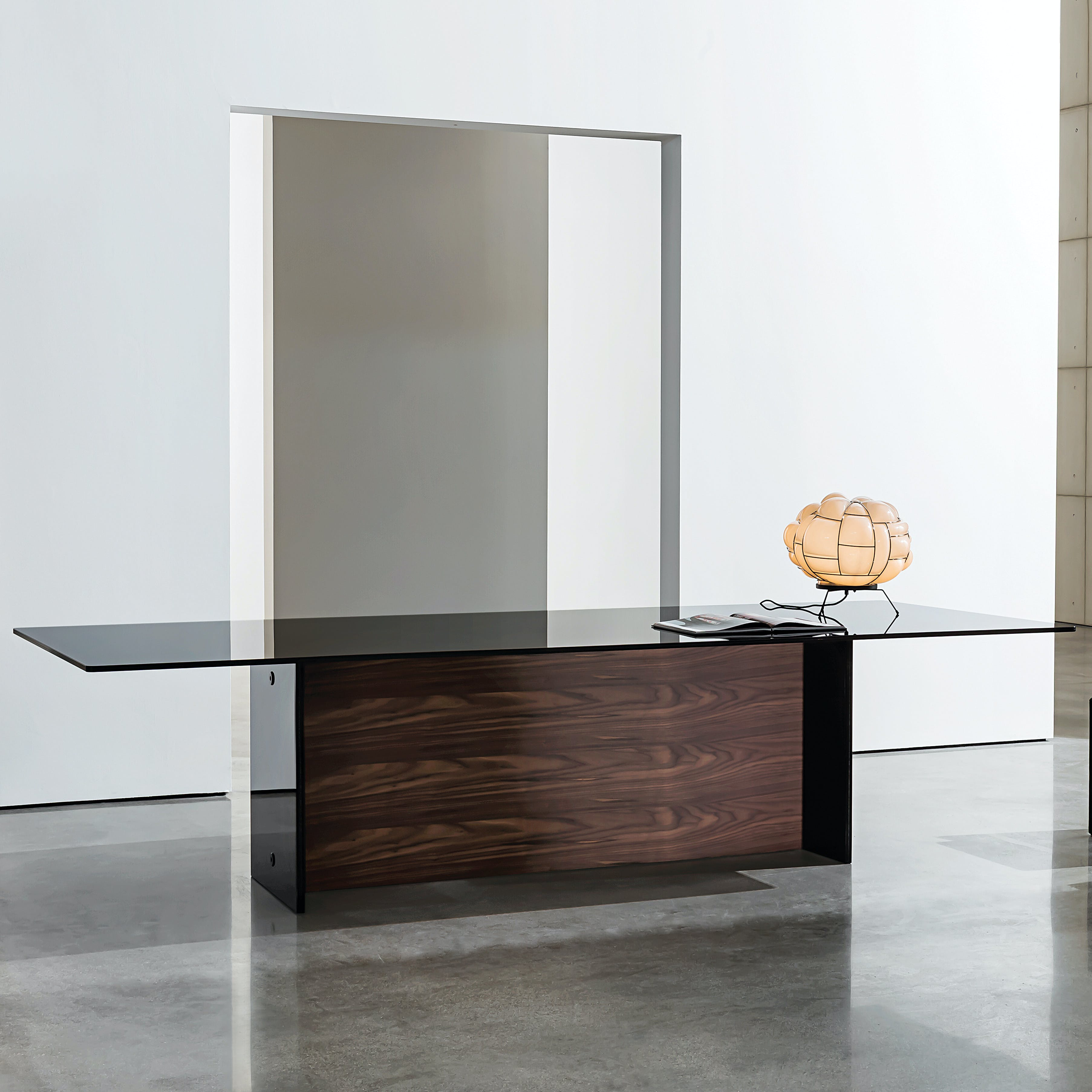 Regolo-double-base-dining-table-by-Sovet-With-glass-top