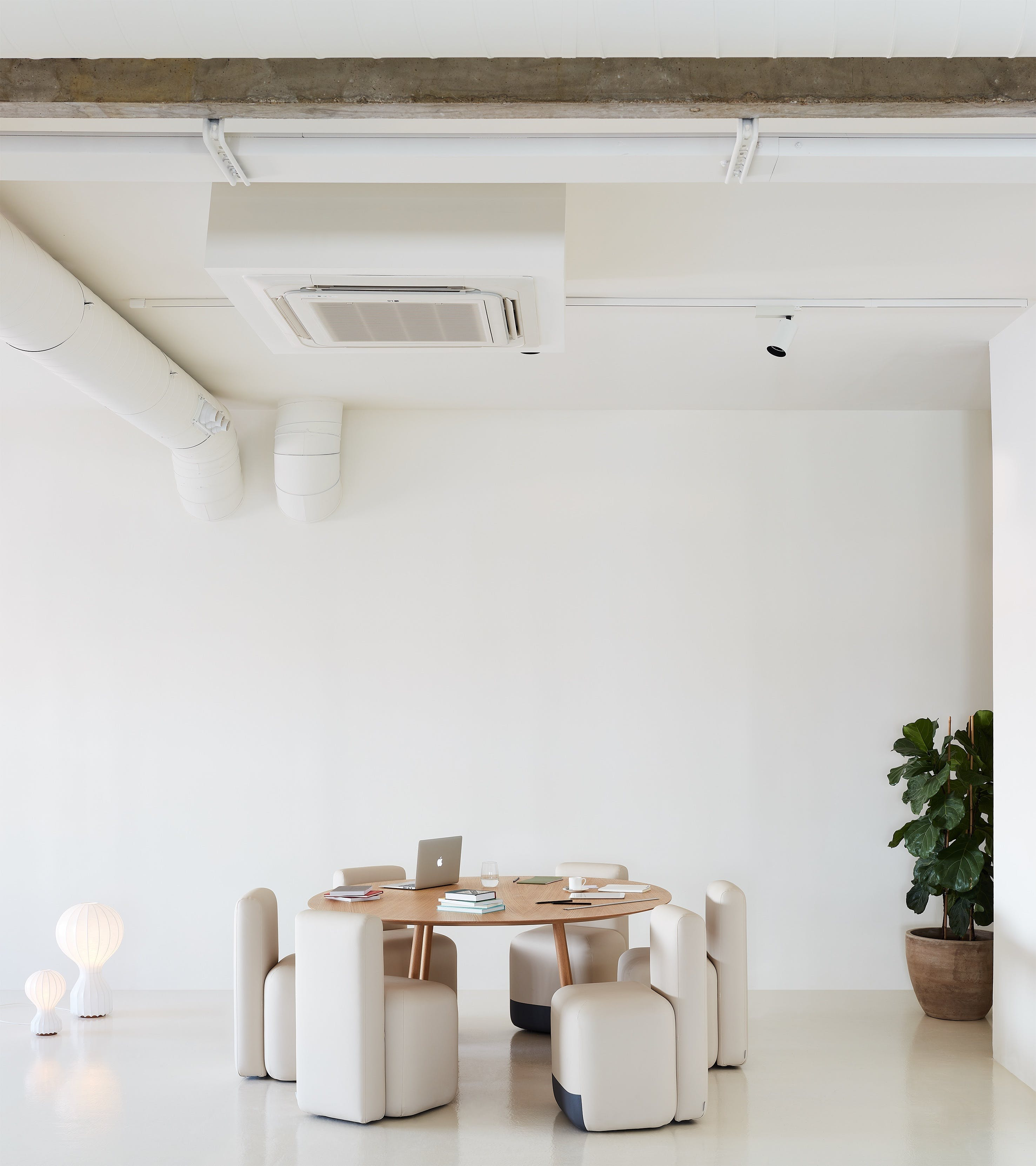Viccarbe-stone-season-chair-institu-haute-living