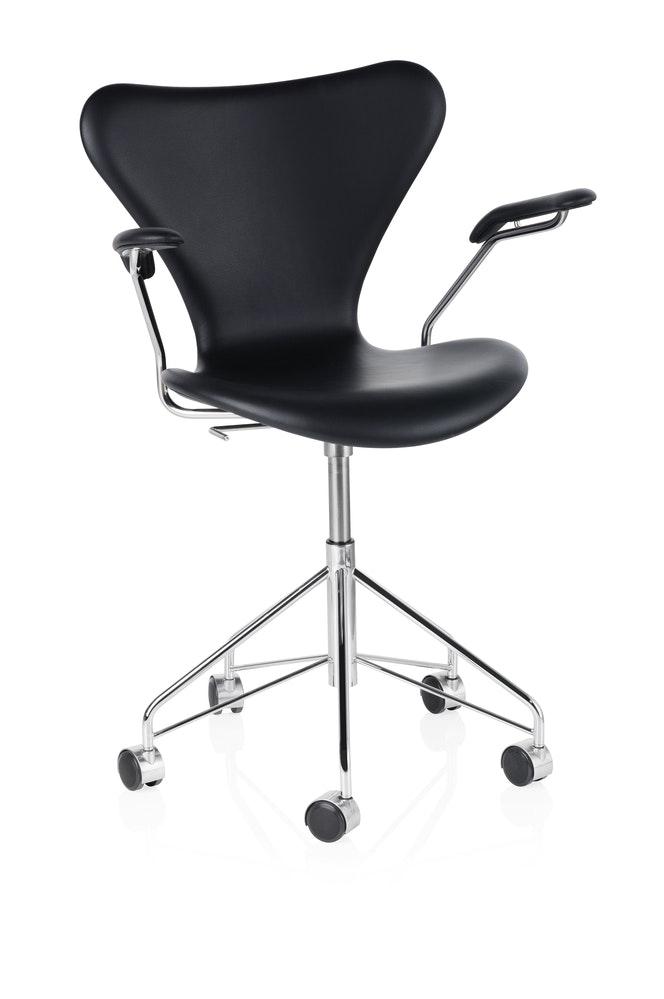 5882 Series 7 Leather Black