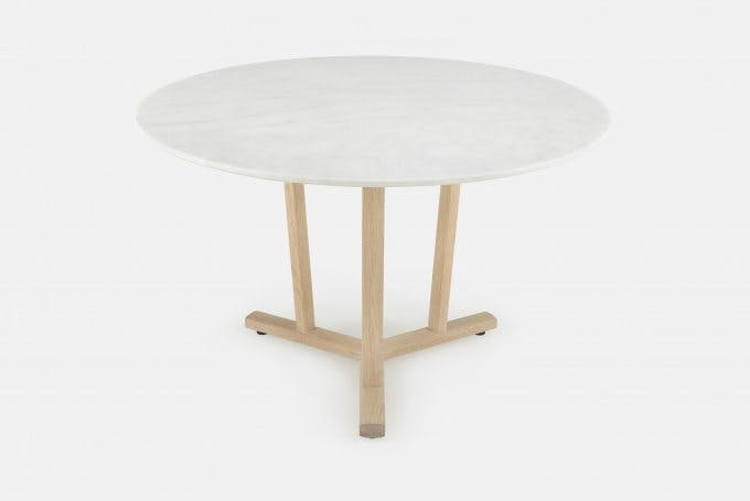 Shaker Round Table By Neri Huweb 680X455