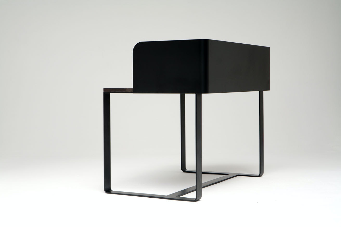 Phase Design Reza Feiz Shelter Desk 3