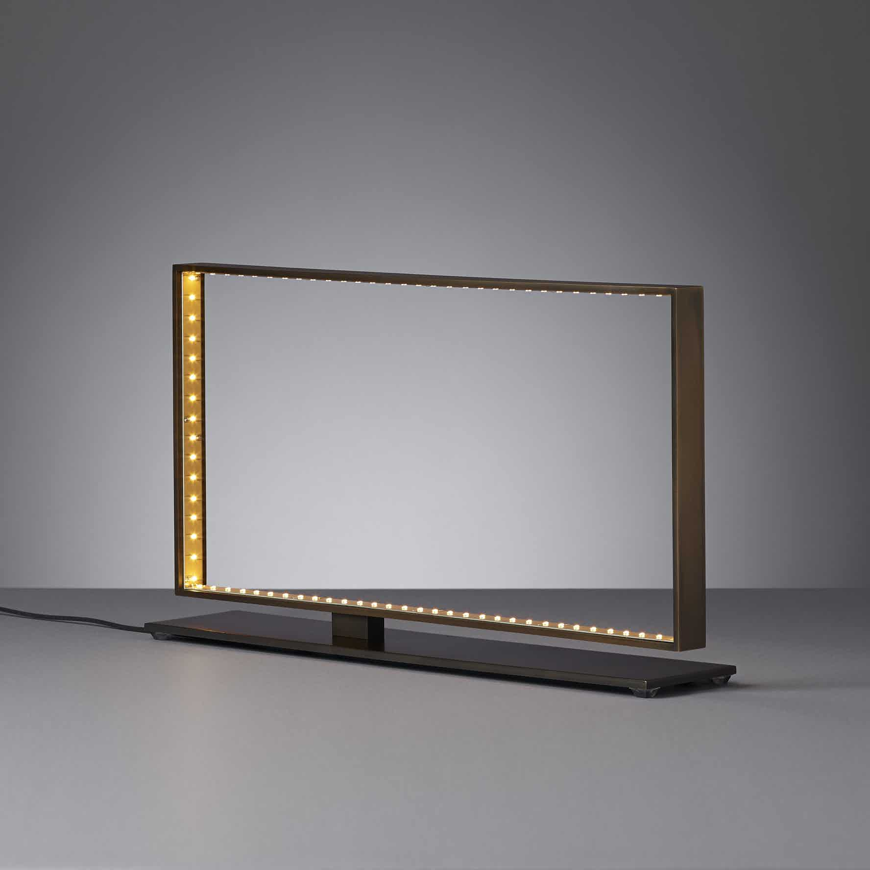 Le-deun-luminaires-square-table-lamp-horizontal-haute-living