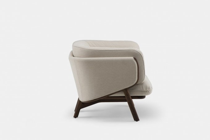 Stanley Armchair By Nichetto In Walnut Sideweb 680X455
