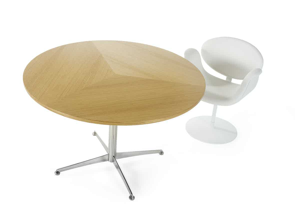 Artifort Round Stars Table