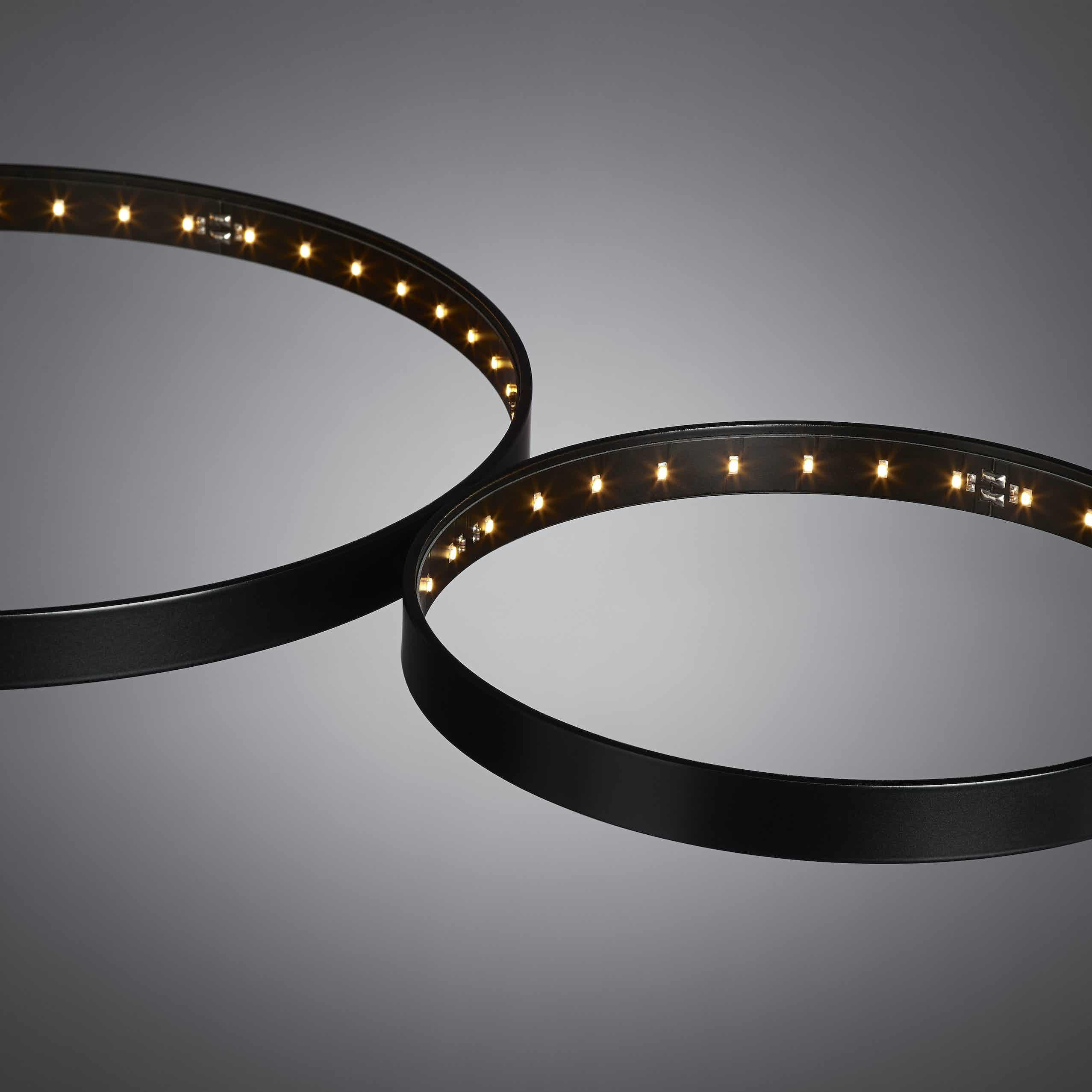 Le-deun-luminaires-super-8-hanging-lamp-black-detail-haute-living
