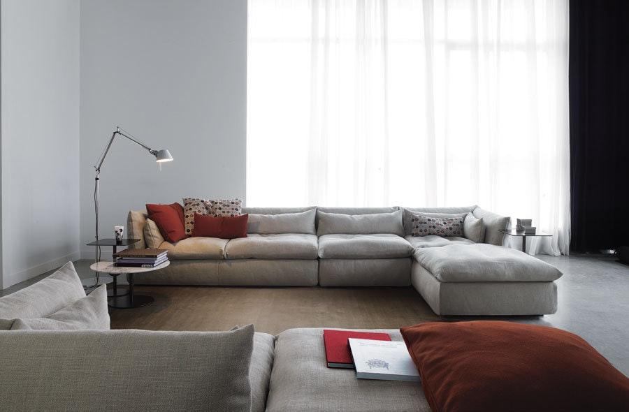 Compos 07 Sofa 2 Swan Haute Living