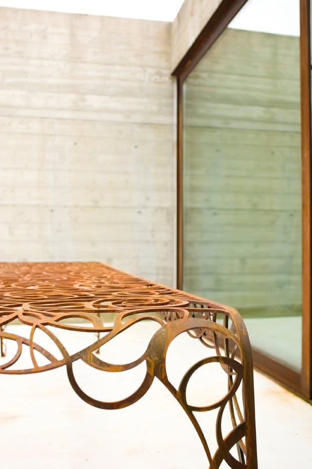 De Castelli Tavlo Radici Table Detail2 Haute Living