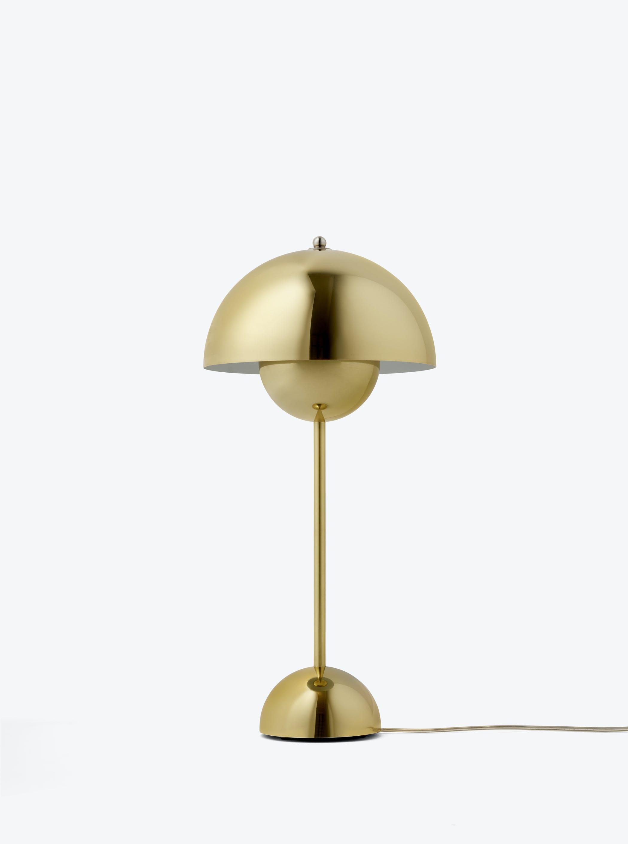 Flowerpot Vp3 Polished Brass Light