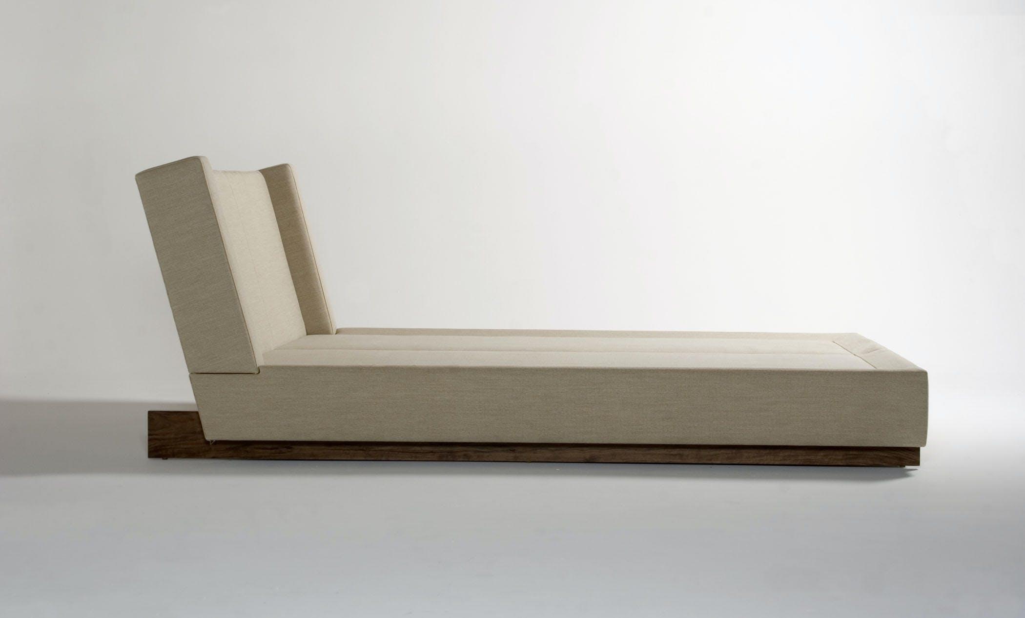Trax Bed Side Medium