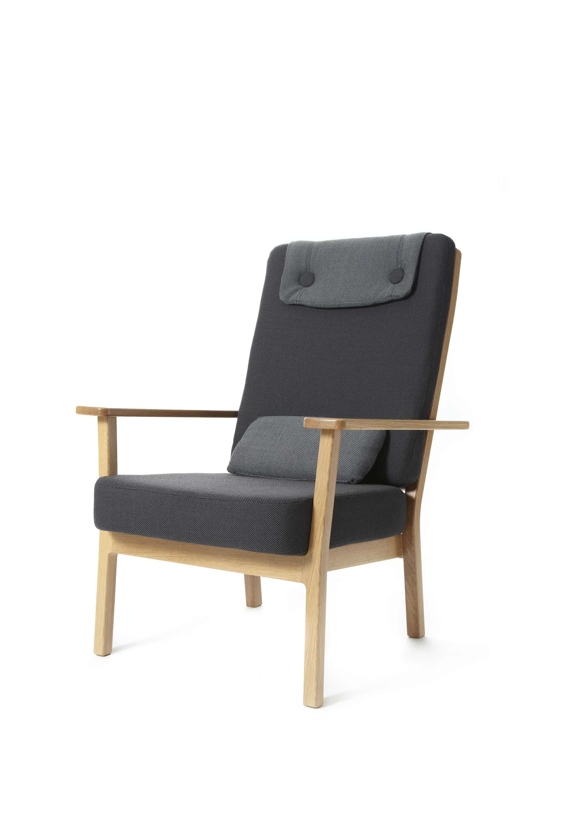 Deadgood-tyneside-lounge-chair-left-face-haute-living
