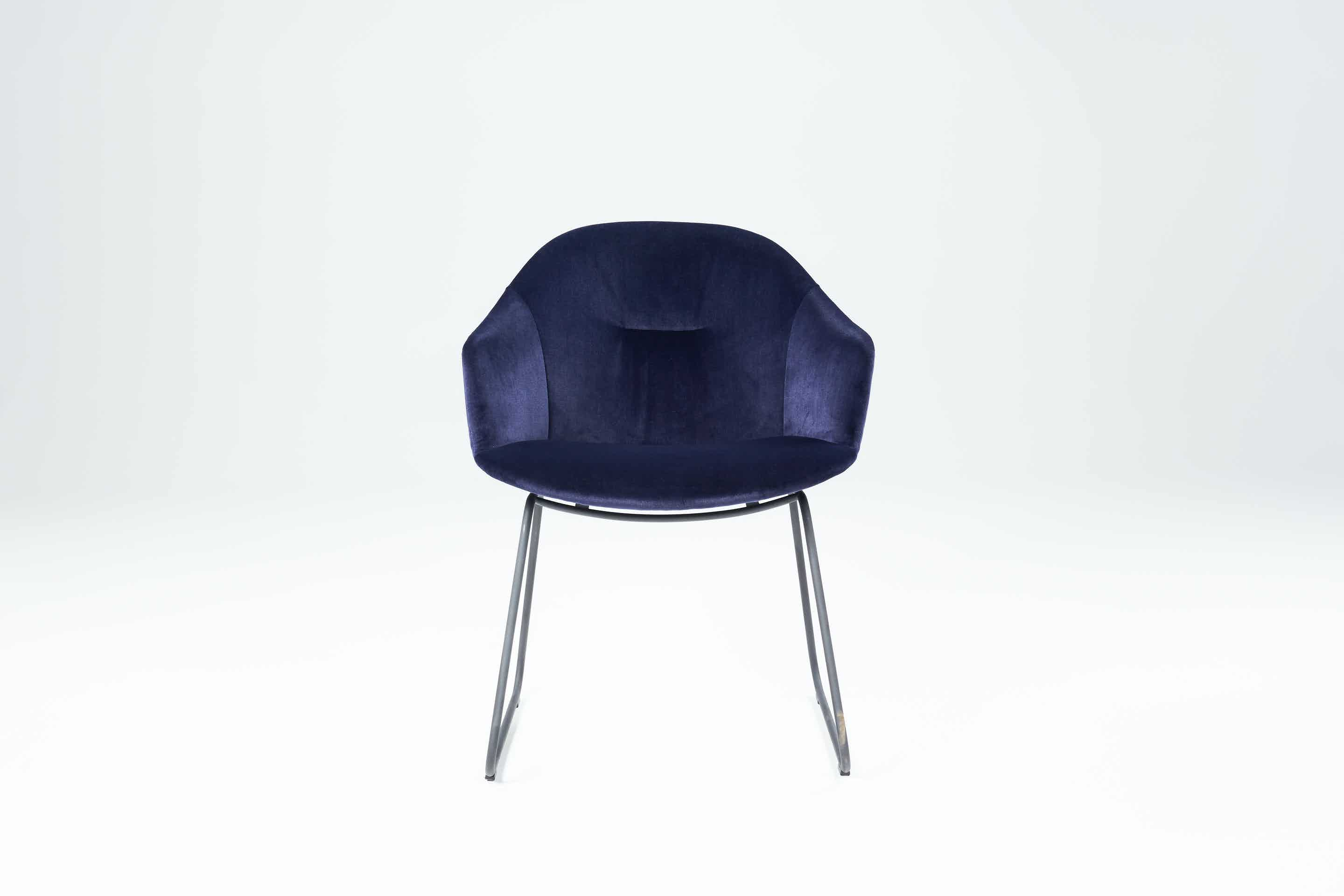 Won-front-blue-versu-haute-living