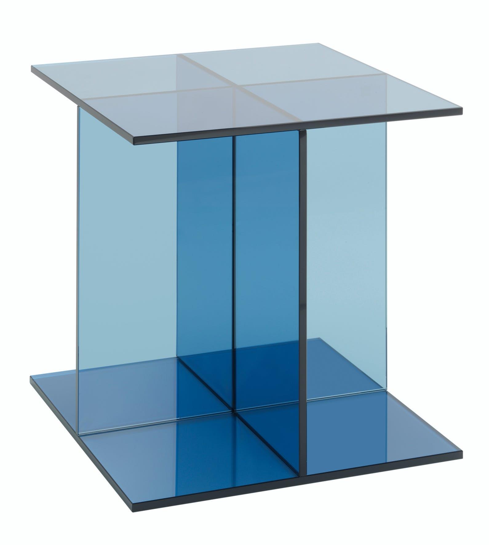 E15-furniture-vier-side-table-blue-solo-haute-living