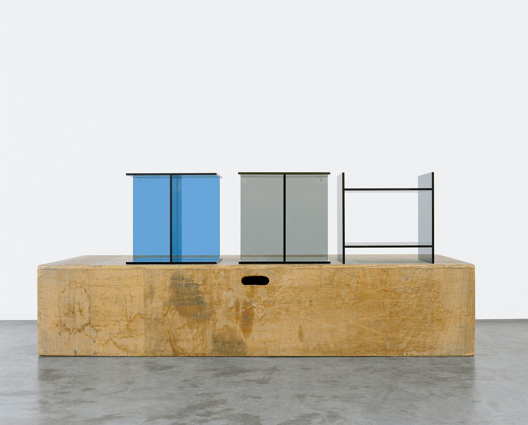 E15-furniture-vier-side-table-three-haute-living