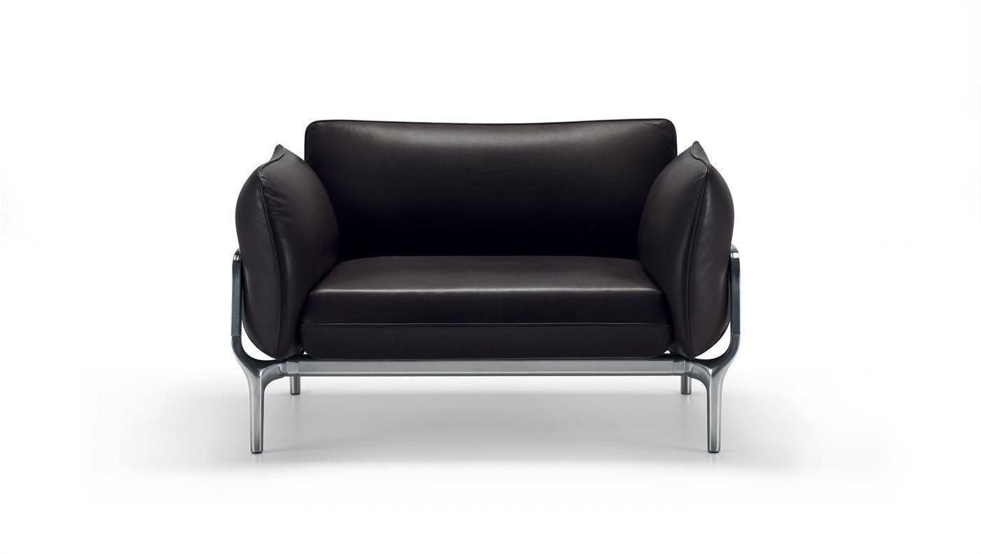 Alias Black Leathe Vina Chair Front