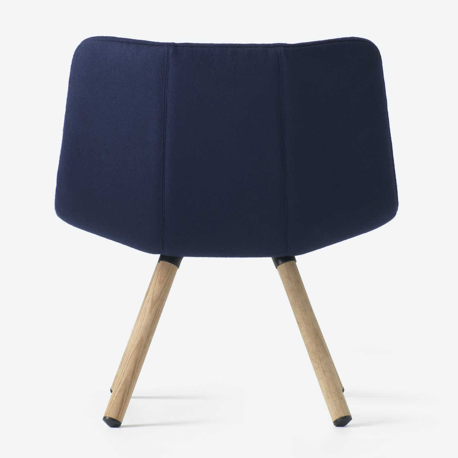 Resident-furniture-4-leg-volley-chair-backhaute-living