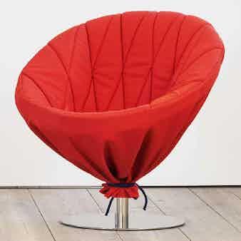 Articles-furniture-wrapup-lounge-chair-insitu-haute-living